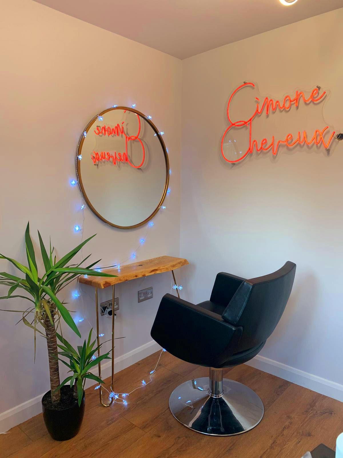 Cimone Cheveux's home studio